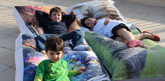 Çocuklar için minder ve puf koltuk seçimi
